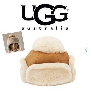 NWT UGG Genuine Sheepkin Pom Pom  Hat Chestnut